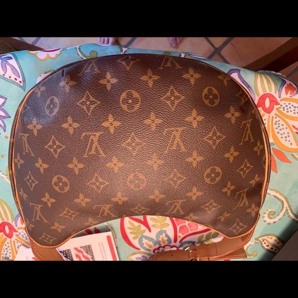 Louis Vuitton Handbags - LOUIS VUITTON Monogram Pochette Croissant Bag MM